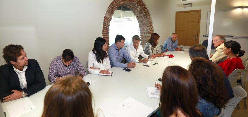El Ayuntamiento y la Fundación Incyde impulsan acciones para potenciar los tres viveros de empresas del municipio