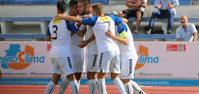 El Marbella vuelve a hacerse fuerte en casa y doblega al Lorca Deportiva (2-1)