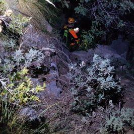 Bomberos de Marbella y Protección Civil de Istán rescatan a dos senderistas perdidos durante el descenso de La Concha