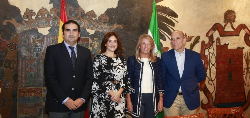 El Ayuntamiento firma un convenio con la Mancomunidad para regar los parques públicos y zonas verdes de Marbella con agua reciclada