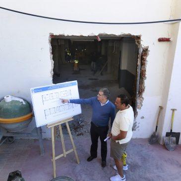 El Ayuntamiento remodela los vestuarios del Polideportivo Antonio Serrano Lima con una inversión de 112.000 euros