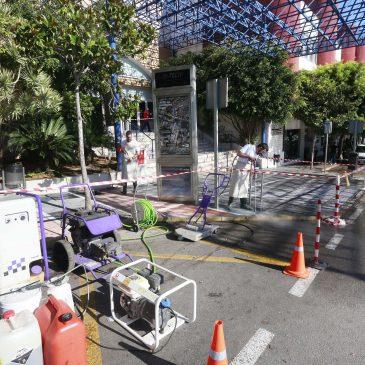 El Ayuntamiento actuará sobre 12.200 metros cuadrados para eliminar la suciedad incrustada en el pavimento