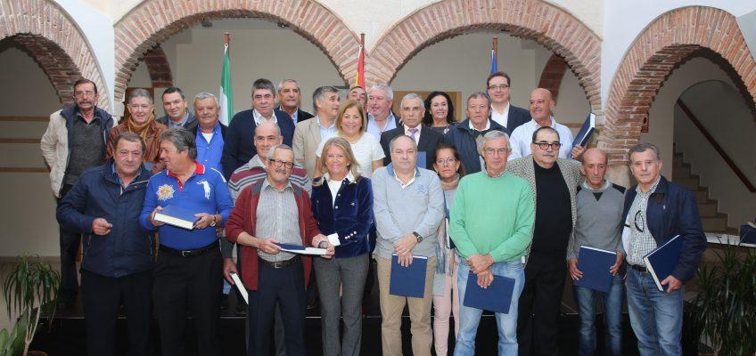 El Ayuntamiento rinde homenaje a más de cincuenta trabajadores municipales que se han jubilado este año