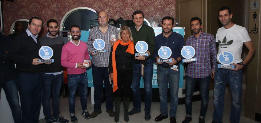El evento solidario DJ Retro 'Pinchando por una causa' recauda 680 euros para la Asociación Despertar sin Violencia