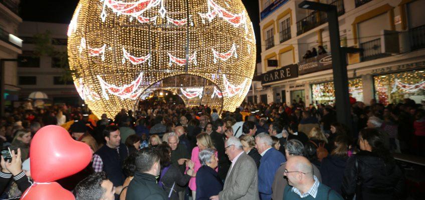 Marbella y San Pedro dan la bienvenida a la programación navideña con un multitudinario encendido del alumbrado