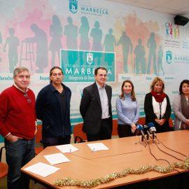 El Ayuntamiento impulsa una campaña de donación de juguetes y caramelos de Hidralia a distintas asociaciones del municipio