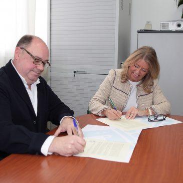 El Ayuntamiento y el IES Río Verde firman un acuerdo para que los alumnos del centro puedan utilizar las instalaciones del Francisco Norte