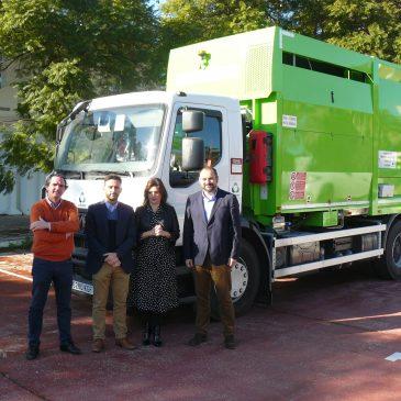 Nuevo camión que prestará servicio en la recogida selectiva de envases ligeros