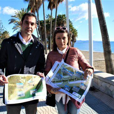 """IZQUIERDA UNIDA RECLAMA A COSTAS Y AYUNTAMIENTO QUE RETIREN LOS ESCOMBROS Y MATERIALES DE DESECHO ENTERRADOS EN LAS PLAYAS DE SAN PEDRO  """"La presencia de estos materiales en más de 8.000 metros cuadrados de playa pueden suponer un riesgo para los usuarios, además de un elemento contaminante para nuestros arenales""""  """"A día de hoy no se han realizado ninguno de estos trabajos de retirada, y desconocemos si desde el Ayuntamiento o la Tenencia han reclamado a Costas que los lleve a cabo""""  Izquierda Unida ha reclamado hoy a la Demarcación de Costas, al Ayuntamiento de Marbella y a la Tenencia de Alcaldía que realicen los trabajos necesarios para retirar los escombros y restos artificiales que están enterrados bajo la arena de la playa de San Pedro y que """"pueden suponer un riesgo para los usuarios, además de un elemento contaminante para nuestros arenales"""". Miguel diaz ha manifestado,  que """"si realmente se tiene previsto construir los espigones, antes es necesario eliminar todos estos escombros, sacar el saneamiento de la playas y buscar una solución a las aguas pluviales que desembocan en la  playa"""",  """"El pasado invierno nuestras playas sufrieron los efectos de diferentes temporales tanto de lluvia como marítimos que no solo provocaron daños en las playas sino que pusieron también al descubierto muchos de los materiales extraños a las mismas, fundamentalmente escombros, que se han acumulado a lo largo de años en nuestras playas y que, a pesar de que con cada temporal reaparecen, nunca han sido retirados. Estos restos, además del deterioro ambiental y estético, de nuestras playas pueden suponer un peligro para los bañistas"""", ha indicado el concejal portavoz de la formación, Miguel Díaz.  En el mes de abril de 2017, la Delegación de Sostenibilidad gestionada entonces por IU, además de reparar con apremio los daños del temporal, consideró necesario poder identificar estos restos que se encontraban en las playas y que por las características de los trabajos de urgencia iban """