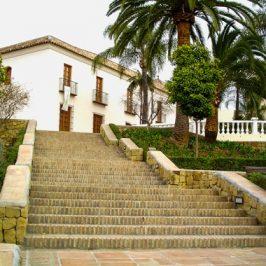 El Cortijo Miraflores acogerá esta semana la presentación de los poemarios 'El patio amarillo' y '50 febreros'