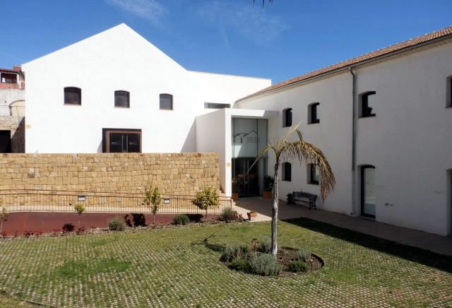 Los alumnos del taller de fotografía de San Pedro Alcántara exponen 22 obras en el Trapiche de Guadaiza hasta el próximo 23 de febrero