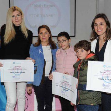 El Ayuntamiento reconoce el trabajo de personas y colectivos a favor del colectivo transexual y transgénero en la entrega de los 'Premios 'T' de Trans Ciudad de Marbella'