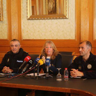 El Ayuntamiento convocará oposiciones para reforzar las plantillas de la Policía Local y de Bomberos con un total de 26 plazas