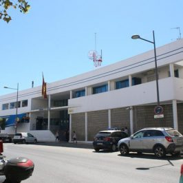 En Marbella (Málaga)    La Policía Nacional detiene a dos personas por estafar más de 320.000 euros a unas 100 familias con falsos paquetes de viajes