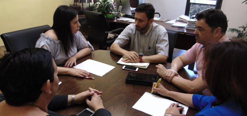 La parlamentaria andaluza Gema Ruiz visita Ojén para poner en valor el trabajo diario realizado por su Ayuntamiento