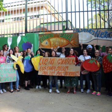 familias de los colegios públicos Vicente Aleixandre, Rafael Mayoralas y Juan Ramón Jiménez piden que se mantenga el servicio de comedor con personal municipal