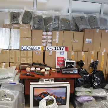 En una operación conjunta de la Policía Nacional y la Guardia Civil    Desarticuladas dos organizaciones en Málaga y Sevilla dedicadas al tráfico de marihuana y al contrabando de tabaco
