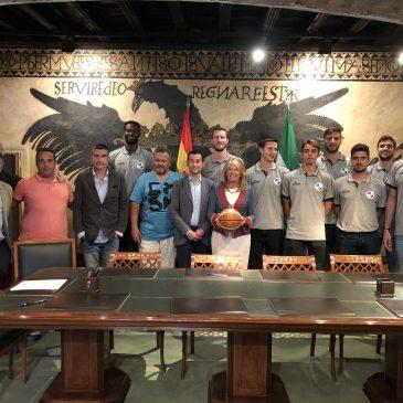 Club baloncesto marbella  El Ayuntamiento de Marbella recibe al CB Marbella en la tarde del lunes