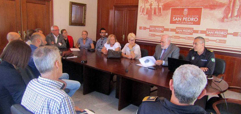 La Tenencia de Alcaldía de San Pedro mantiene una reunión con Policía y colectivos vecinales y empresariales para la instalación de cámaras de vigilancia
