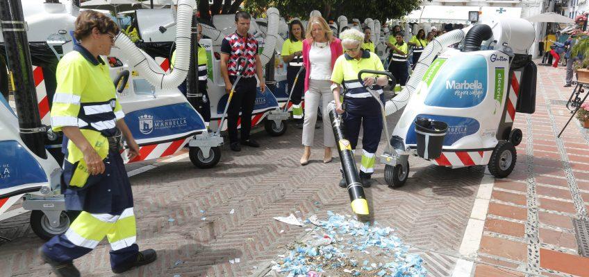El Ayuntamiento continúa modernizando el servicio de Limpieza con la adquisición de 29 aspiradoras de última generación que sustituirán a los carros de los barrenderos