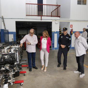 El Ayuntamiento y el instituto Guadalpín firman un convenio para dotar al centro de vehículos abandonados para la formación práctica de sus alumnos