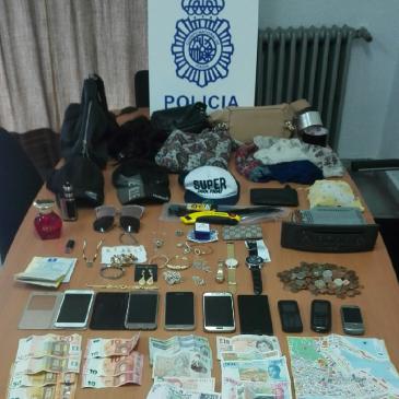 La Policía Nacional detiene en Málaga a los responsables de un asalto a un anciano que acababa de sacar dinero del banco