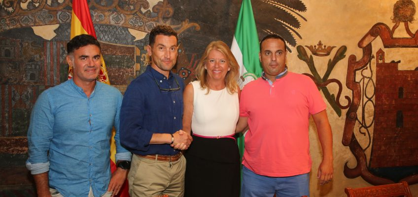 El Ayuntamiento formaliza las subvenciones al Club Baloncesto Marbella y al Trocadero Marbella Rugby Club