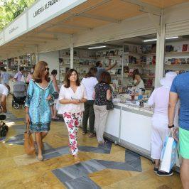 La Feria del Libro abre sus puertas en el Paseo de la Alameda con actividades para todos los públicos