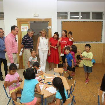 Más de 140 escolares de familias con menos recursos económicos participan en el campamento de verano impulsado por Ayuntamiento, Junta, Hidralia y la asociación 'Suetí Callí'