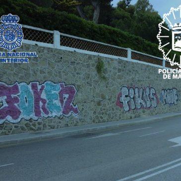 Intervención conjunta de Policía Nacional y Policía Local de Málaga   Identificados y detenidos cuatro de los grafiteros más activos de Málaga en una actuación conjunta de la Policía Nacional y la Policía Local de Málaga
