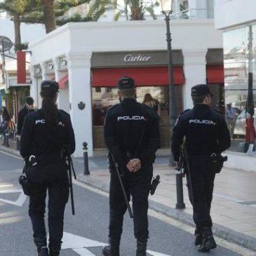 En Málaga  La Policía Nacional detiene a un mando de un voluntariado por acoso sexual a una compañera