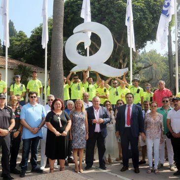 Marbella recibe la 'Q' de calidad turística en seis de sus playas y un reconocimiento ISO para las dunas de Artola por la excelencia de sus servicios en el litoral  La alcaldesa, Ángeles Muñoz, ha destacado el trabajo realizado para la obtención de este distintivo, que se suma a la recuperación de dos banderas azules esta temporada