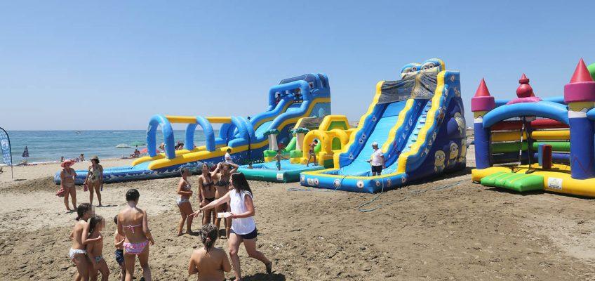Cerca de 2.000 jóvenes participan en las actividades de verano programadas por Juventud   La actividad de ocio alternativo 'Playa Joven' ha contado con la asistencia de 200 usuarios al día