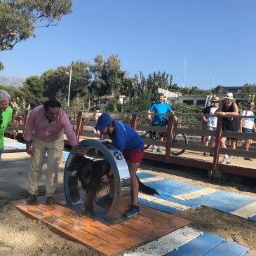 El Ayuntamiento de Marbella amplía el equipamiento de las playas caninas y trabaja en la obtención de la Q de Calidad para estos espacios