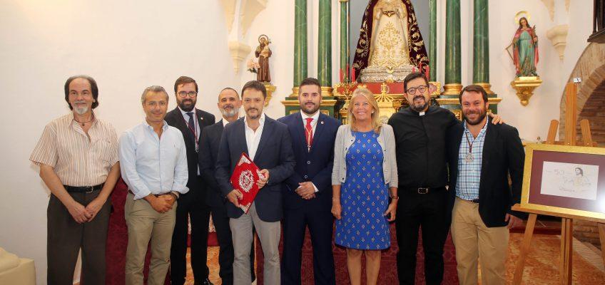 La alcaldesa destaca la trayectoria de la Cofradía 'La Pollinica' en la presentación del programa de actos con motivo del 50 aniversario de su fundación