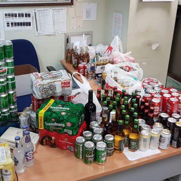 En la antesala al partido de anoche entre España e Inglaterra    La Policía Nacional interviene numerosas bebidas alcohólicas a aficionados de la selección inglesa de fútbol en la estación de trenes de Málaga