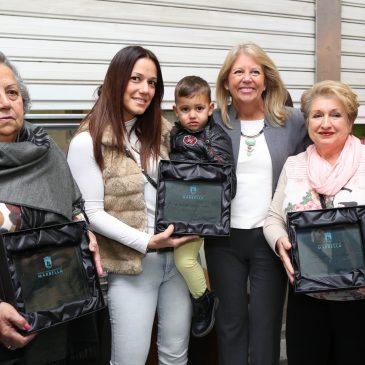 """El Ayuntamiento homenajea a tres comerciantes del mercado de Divina Pastora por """"su gran trayectoria profesional, entrega y calidad humana"""""""