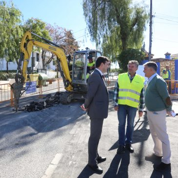 Comienzan los trabajos para resolver las incidencias en materia de saneamiento en la calle Rubén Darío de Nueva Andalucía