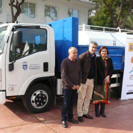 Mancomunidad entrega a Benalmádena un camión valorado en más de 64.000 euros  •Forma parte del Plan de Inversiones Mancomunado suscrito con la Secretaría de Estado de Turismo