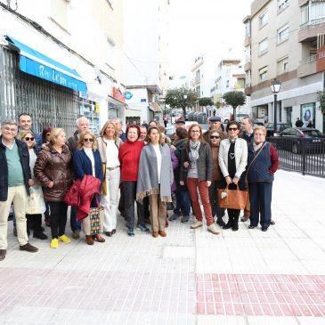 El Ayuntamiento mejora la seguridad y la movilidad peatonal en la calle San Vicente del barrio de Divina Pastora