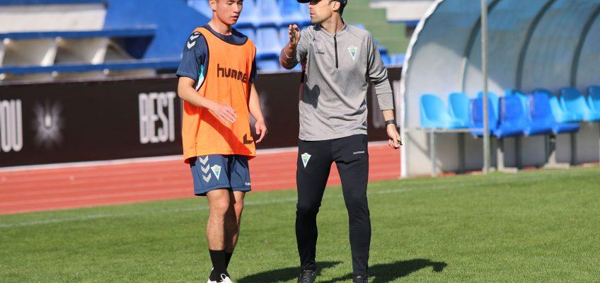 El Marbella F.C. da la bienvenida al primer jugador chino de su historia