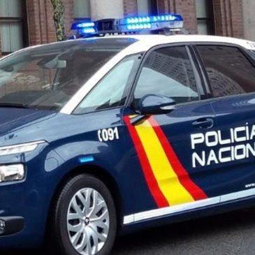 En Málaga La Policía Nacional detiene a un hombre por robar e intentar asfixiar a su ex pareja con una sábana en connivencia con un hijo de ella