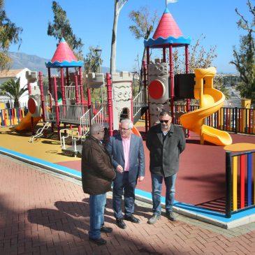 La Tenencia de Alcaldía ha realizado mejoras en 23 parques de San Pedro Alcántara por importe de 96.000 euros