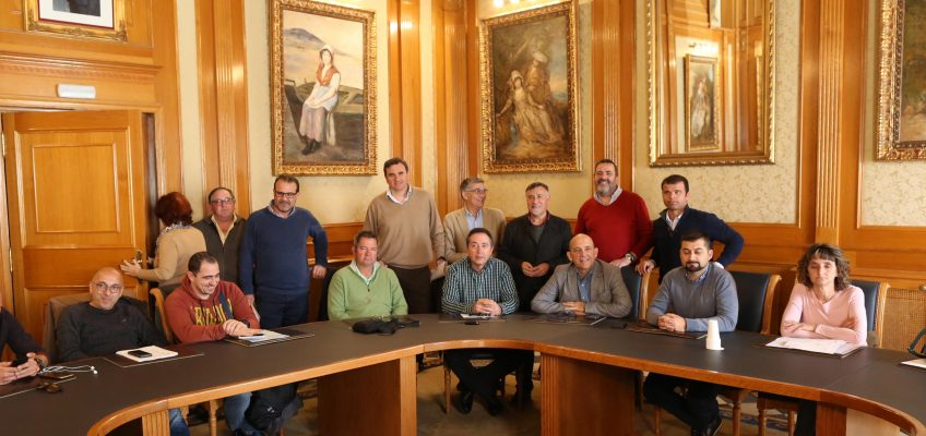 El Ayuntamiento constituye una comisión para avanzar en materias de seguridad y salud laboral  El órgano está formado por 14 miembros y seis reservas a partes iguales entre la Administración local y los representantes de los trabajadores