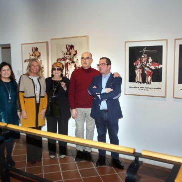 Una muestra que reúne por primera vez la obra gráfica completa de Manolo Millares se exhibe en el Museo del Grabado