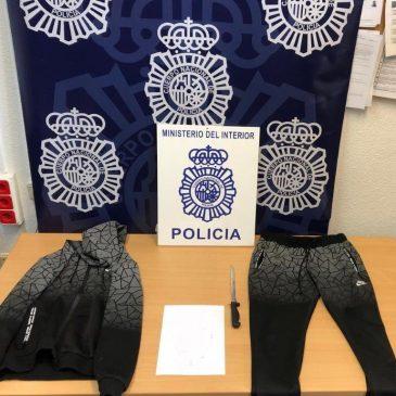 La Policía Nacional detiene a un hombre por asaltos a siete comercios en Málaga mediante la exhibición de un arma blanca