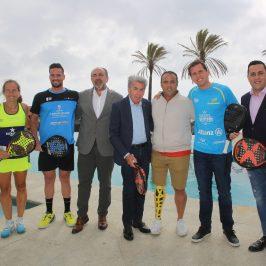 Manolo Santana apadrina la presentación del primer torneo del circuito World Padel Tour 2019, que arranca mañana en San Pedro Alcántara
