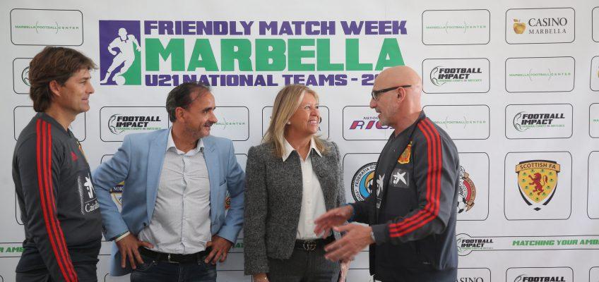 """La alcaldesa destaca el """"impacto mediático y deportivo"""" que supone que la selección española de fútbol Sub-21 haya elegido Marbella para concentrarse"""