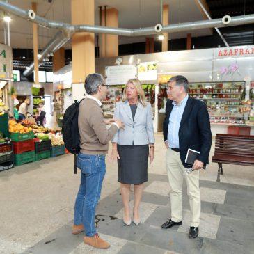 El Ayuntamiento reforma el Mercado Central para atajar las filtraciones y mejorar la impermeabilización de los puestos