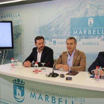 Marbella promociona su Semana Santa en 44 centros comerciales del país   La iniciativa, a coste cero para el Ayuntamiento, pero valorada en 100.000 euros, forma parte del acuerdo con la concesionaria que gestiona las marquesinas del municipio